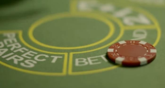 Nykyisin voit pelata pöytäpelejä myös livenä